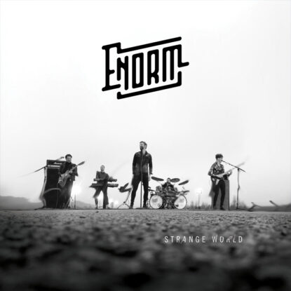 Enorm-Album-hoes-strange-world